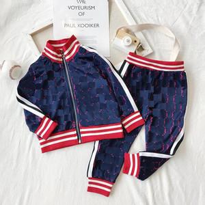 Kids Designer Ropa Conjuntos Nuevos chándales de impresión de lujo Moda Carta de moda Jackets + Joggers Casual Sports Style Sudadera Boys Ropa