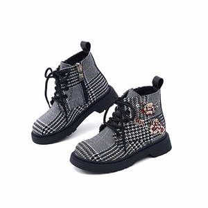 Modern Girls Fashion Boots Upscale Houndstooth Kids Snow Boots Knitted Roses Warm Short Plush Children shoes Riding Boots 8T Y1125