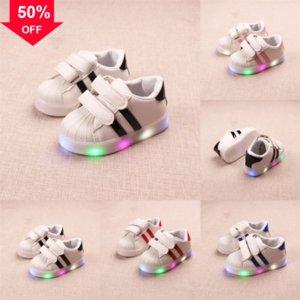 Kleinkind Kinder Solid Light Shoe Las Baby Jungen Mädchen LED-LED-LED-Schuhe Schuhe Sneakers Prewalkers Sportschuhe Größe Children Running Casua