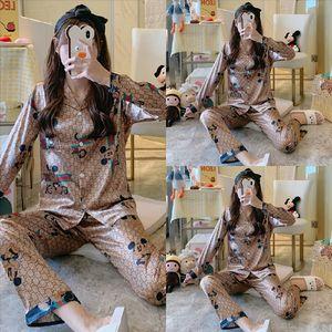 Pijamas Set Lazer Desgaste Mulheres Luxury Night Mulheres Pijamas Pajamas Sleepwear Designer Casa Terno Casa Viagem Mulheres Verão Verão Dos Desenhos Animados de Algodão