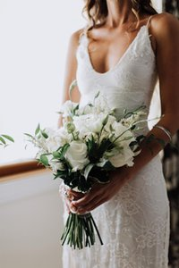 Sexy Spaghetti Straps Bride Dress Pretty Lace Mermaid Sweep Train Long Wedding Party Dress Custom Made
