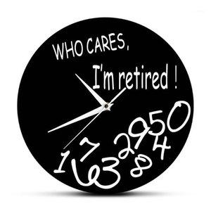A quien le importa estoy retirado! Divertido retiro Decorativo Reloj de pared Decoración para el hogar Sala de estar Reloj redondo Reloj Retiro Humorístico Regalo de retiro1