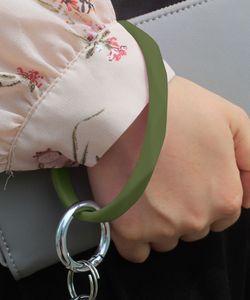 Silikon Armband Keychain Handgelenk Schlüsselanhänger Rundkreis Twist Bangle Key Ring Key Halter Für Frauen Handgelenkband Armbänder GGB2596