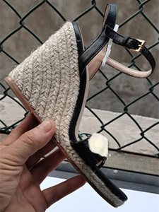 Zapatos de paja de mujer Tamaño grande Mujeres Sandalias de cuña Abre Toe Dorado Color Cuña Zapatos de cuña moda Hebilla Sandalia Sandal Paja Bombas de fondo