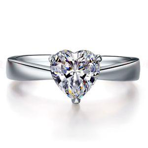 6 * 6 мм Стерлингового серебра 1CT NSCD Имитация алмазное сердце формы сердца кольцо со смесителями для женщин 18K белый позолон