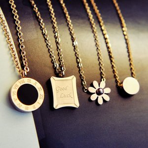 High-end Circle Crystal Roman Numeral Necklace Pendants Double Buckle Woman Necklace Female Titanium Steel Clavicle Necklace 18K