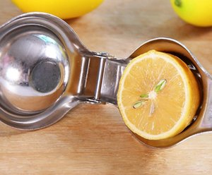 Stainless steel hand-operated juicer, can squeeze Lemon, orange, pomegranate, and other kinds of fruit, mini-camping convenient to carry