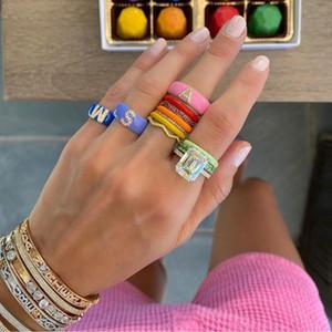 Pink Blue Esmalte 26 Letra del alfabeto Anillo de banda para mujeres Nombre personalizado Joyería de dedo completo Moda