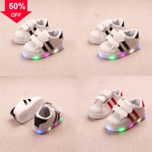 Coole Mode Kinder Beleuchtete Kinder Vertrieb Athletische Outdoor LED Baby Freizeit Sneakers Jungen Mädchen Schuhe LED Light Shoe Las Schönes Kind # 708