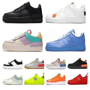 Chaussures de plate-forme Shadow Triple Triple Hommes Blancs Sneaker Homme Chaussures Pistachio Fros Volt Femmes Ivoire pâle Femmes Tennis Traperateurs ManbasketBallShoes