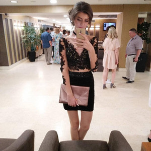 Deep V-neck Sheath Cocktail Dresses Long Sleeves Lace Appliques Beaded Homecoming Dresses Illusion Short Mini Prom Party Gowns