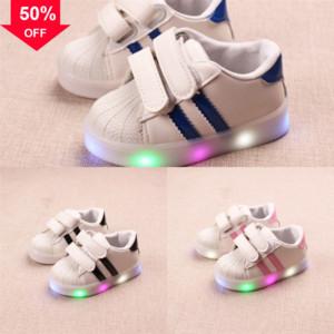 Sport Glühen Turnschuhe Turnschuhe mit Rädern LED Beleuchtung für Shoe LAS LED-Schlittschuhe Kinder leuchtende Beleuchtete Schuhe Roller Kinder # 8799