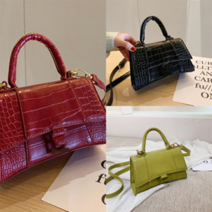 C7SB3 Donne Borsa a tracolla Bianco Dener Handbag Luxurys Designer Designer Borse a catena Crossbody Moda Small Luxury Messenger Bag Borse