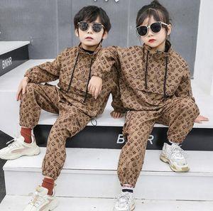 Nuova primavera ragazzo autunno vestito di moda le ragazze 2020 ragazzi tuta stile britannico a due pezzi del rivestimento del vestito + pantaloni abbigliamento congelato i vestiti dei bambini