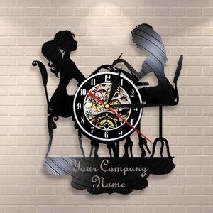 Personalizado Spa Salon Business Wall Sign Wall Decor Salón de uñas Personado Su nombre Vinyl Record Wall Clock Polaco Moda Arte Clock 20118