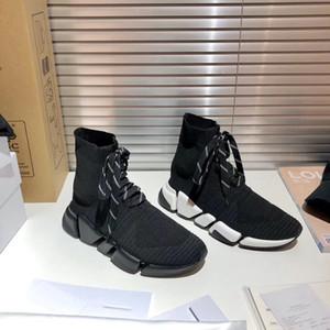2021 أحدث الدانتيل متابعة تمتد شبكة جورب رياضة الرجال النساء التقنية 3d متماسكة جورب مثل المدربين وسادة الهواء الأحذية عارضة مع مربع
