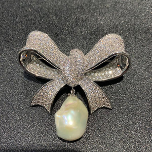 Shinning Zircon Bowknot Design Natural Baroque Pearl Breastpin Jewelry For Lady Gifts
