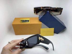NOUVEAU 6944 Femmes de luxe Perles Sunglasses Mode Cadre Full Frame Mesure Vintage Rétro Marque Designer Lunettes Femme Loisirs Loisirs Verres Sun Marée