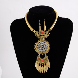 Popular Retro Alloy Cool Leaf Tassel Diamond Necklace and Earrings Suite