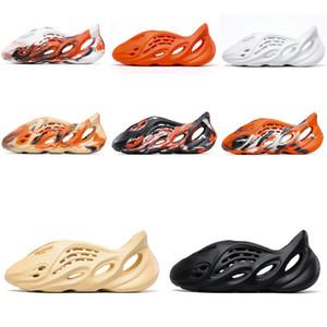 2021 Foam Runner Kanye West Clog Sandal Triple Black Slide Fashion Slipper Women Mens Tainers bone 450 Designer Beach Sandals Slip-on Shoes