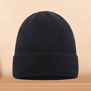 Free shipping The latest Italian famous Unisex Winter men beanie Bonnet women hat knitting cap Gorros sport skull hair knit outdoor