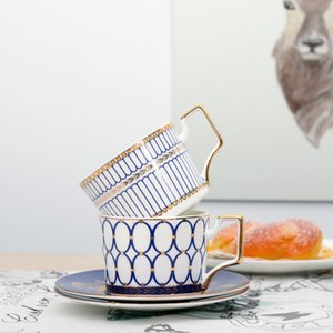 Британская кость China China Cups и тарелки Phnom Penh Fringe стиль кофейная чашка набор днем черный чай набор фарфоровой чай для свадьбы Y1124