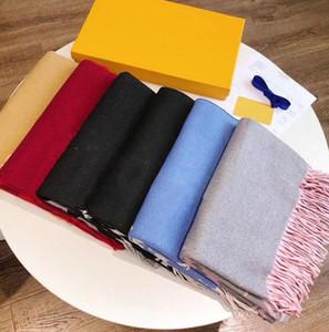 여성 고품질 pashmina 가을 겨울 양모 스카프 부드러운 따뜻한 두꺼운 술 문자 스카프 luxurys 사각형 상자와 목도리