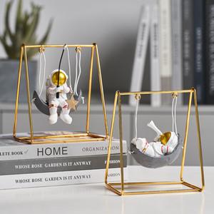 Statues d'astronaute moderne Sculptures créatives Figurines miniatures Figurines Miniatures Craft Accueil Décoration Accessoires Cadeau de Noël 201210