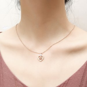 Manufacturers supply Japanese and Korean new creative popular rose gold heart-shaped clip diamond girl snake bone chain necklace