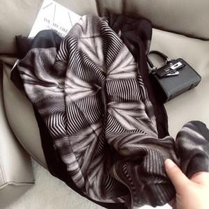 2020 New design brand women scarf fashion print cotton spring winter warm scarves hijabs lady foulard bandana plaid