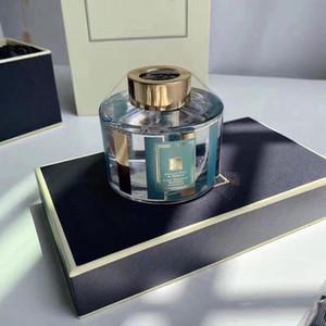 Hombre y mujer Perfume Vines Aromatherapy Perfume Fragancia English Pear Spray Duradero y refrescante 100ml EDP Excelente calidad gratis