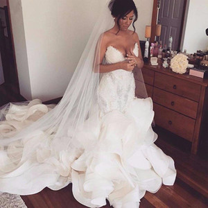 Sexy cascading Ruffles Mermaid Wedding Dresses Lace Appliques Ruched Long Bridal Gowns Plus Size Sweetheart Wedding Gowns Robe De Mariee