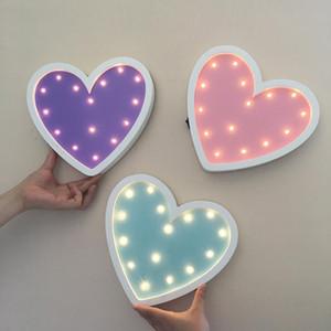 LED Love Heart Night Light Dormitorio Lámpara de noche Lámpara de cama Láminas para niños Decoración de la iluminación Niños Niños Niños Regalo Luminaria