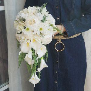 Calla Lily Buket Simülasyon Gelin Holding Çiçek Şakayık Düğün Fotoğraf Şelale Bırak Şekli Gül Düğün Malzemeleri Gelin Buket Holding