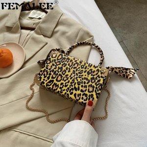 Moda de leopardo Caja Handbag Mujeres Vintage Cadena Crossbody Designer Medio Redondo Mango Bolso Hombro con bufanda Pequeñas embragues Q1207