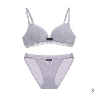 2018 new no steel ring bra set, thin and no trace lady sexy lace underwear.