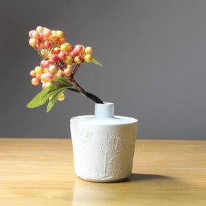 2020 Nordic Ceramic Vase Home Decoration Modern Minimalist Dried Flower Flower Arrangement Relief Crafts White Porcelain Flower Decoration