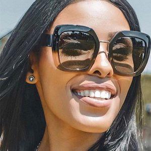 Солнцезащитные очки Негабаритные Женщины 2021 Квадратные Солнцезащитные Очки Дамы Винтаж Большие Рамки Солнцезащитные Очки Женские Тренд Очки UV400