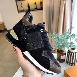 Moda Homens Mulheres Sapatos Speed Trainer Plataforma Casual Sapatos Sapatilhas Triplo Meias Plana Sports Sneakers 56
