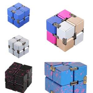 D07oa Versión Magnética Infinite Cube Metal Decompression Aleación de aluminio original Hot Giiker Super Rubik Cube 2 por 2 Cube Novelty Rubik's