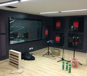 أسود اللون مع حريق عازلة للصوت رغوة الصوت ستوديو رغوة صوتي امتصاص المسجلة استوديو غرف الموسيقى 4 قطع حجم 120 * 30 * 7.5 سنتيمتر