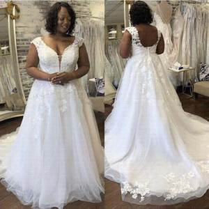 Plus Size African Wedding Dresses Sexy V-neck Lace Appliques Backless Vestido De Noiva Wedding Gowns Vintage Marriage Wear Bridal Gowns