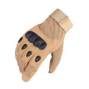 2020 Sale Men's Tactical Gloves Outdoor Sports Half Finger Combat Anti-Slip Carbon Fiber Shell Tactical Gloves