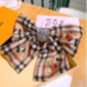 NUOVO 2020 Classici Designer Fabbi per le donne Retro British Plaid Stripe Stripe Desinger Fascia Lettere Lettere Capelli Testa per capelli Gioielli Regali