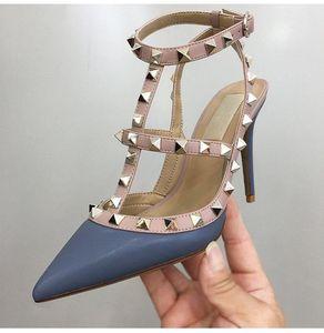 Designer Sexy Lady Fashion Marque Femmes Fashion Spikes Point Toe Toe Chaussures High Talons Chaussures de mariage de mariée