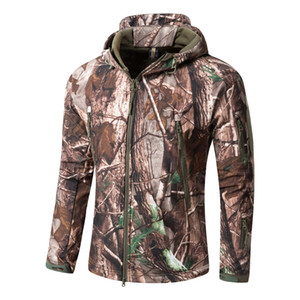 Winter Autumn Hiking Jackets Warm Military Hunting Shark Camo Soft Shell Outwear Coat Men Army Tactical Jacket Q1202