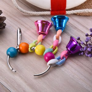 1 pz Parrot Bird Toy Beaded Color Color Rattan Ball Gnawing Strings Hanging Bells Decor di Natale Giocattoli Giocattoli Pet Forniture per animali domestici