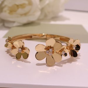 Popular lucky grass Bracelet Flower lady Bracelet Fashion high end and high quality Dance party Free freight gift gorgeous