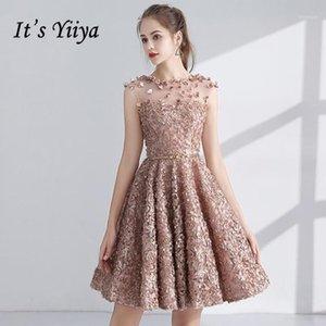 Es ist Yiiya Cocktailkleid 2018 Party Sleeveless Applikationen Blume Illusion Mode Designer Elegante kurze Cocktailkleider LX10631