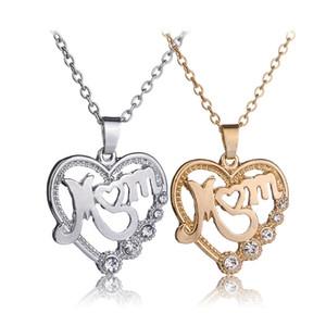 Maman de luxe amour Colliers en forme de coeur Crystal Autrichien Pendentif cristal creux Gold Silver chaînes pour femmes Mama bijoux cadeau de la fête des mères 309 g2